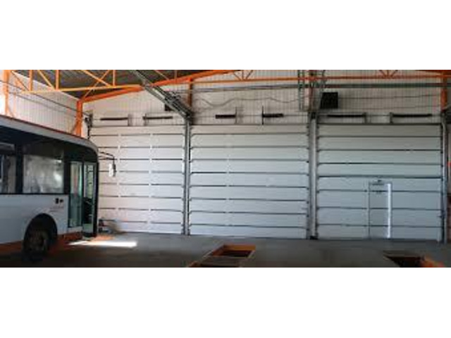 Automatic roller shutter door by Teso Tech - 2