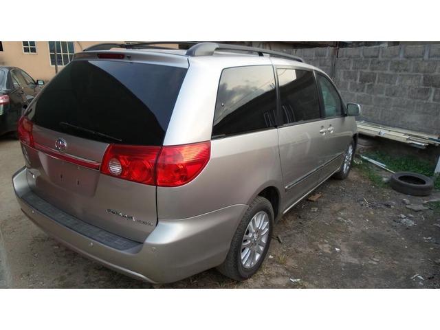 2007 Toyota Sienna  - 1