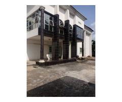 6 bedroom fully detached duplex with 3 bedroom BQ for rent in Asokoro - Image 2