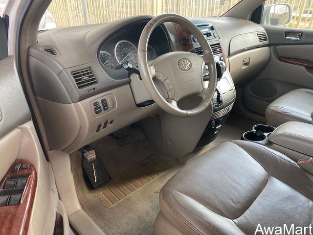 Toyota sienna for sale - 3